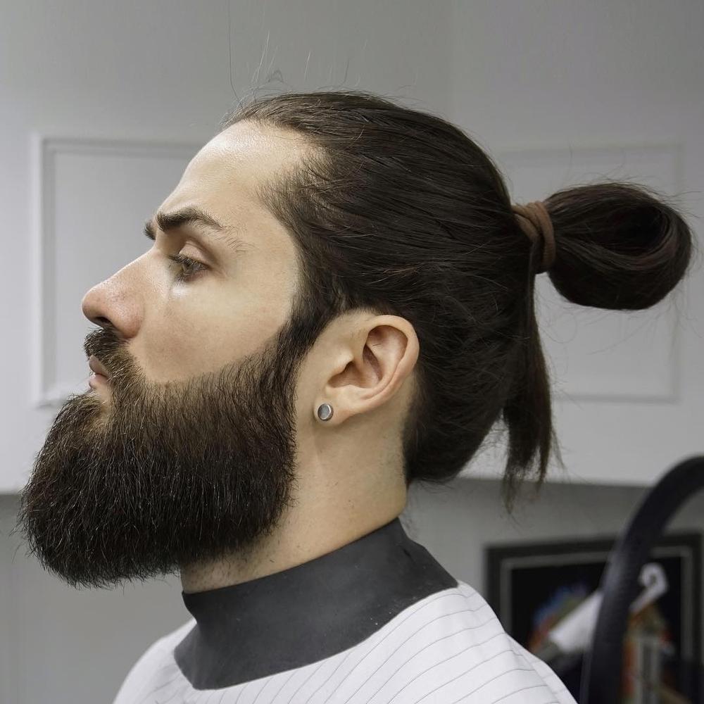оформление бороды и усов