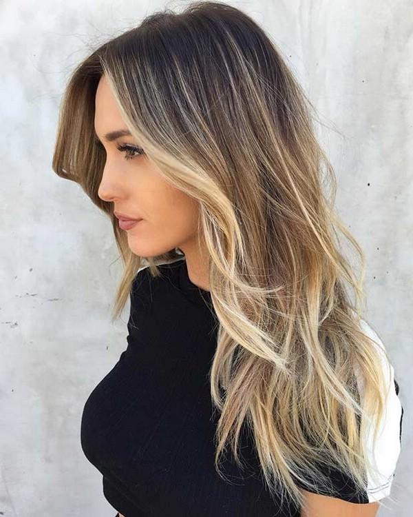 стрижка на середнє волосся